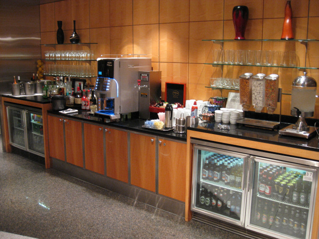 The beverage buffet, opposite the food buffet